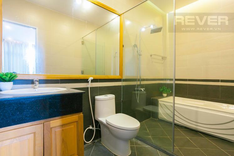 Phòng Tắm Nhà phố hẻm xe hơi đường Nguyễn Văn Giáp Quận 2
