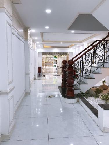 Hành lang nhà phố Nguyễn Bỉnh Khiêm, Gò Vấp Nhà phố mặt tiền Gò Vấp, thích hợp kinh doanh, mở văn phòng.