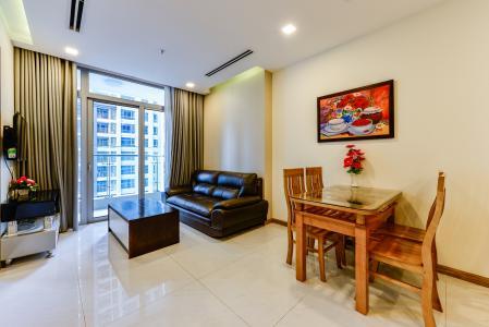 Bán căn hộ Vinhomes Central Park 2PN tầng trung, view sông, đầy đủ nội thất