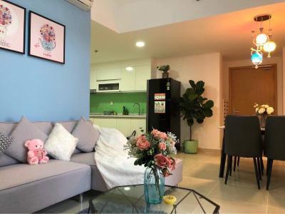 Căn hộ Masteri Thảo Điền view sông và biệt thự, đầy đủ nội thất.