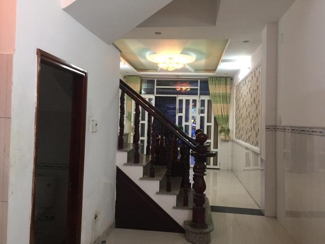 Bán nhà phố 2 tầng gần Cầu Phú Xuân, Nhà Bè, diện tích đất 55.9m2, diện tích sàn 139.5m2, sổ hồng đầy đủ.