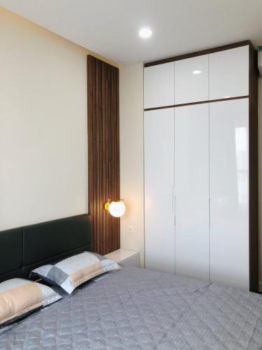 phòng ngủ căn hộ The Sun Căn hộ The Sun Avenue đầy đủ nội thất, view thành phố.