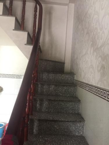 Cầu thang nhà phố Quận 7 Bán nhà đường số 1, Tân Phú, Quận 7, cách Bệnh viện Quận 7 khoảng 400m