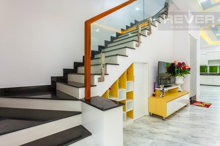 Góc cầu thang Nhà phố khu compound Mega Khang Điền Quận 9 nội thất đầy đủ
