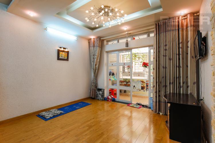 Phòng Khách Chung Cư Khánh Hội hướng Đông Nam, 2 phòng ngủ nội thất đầy đủ