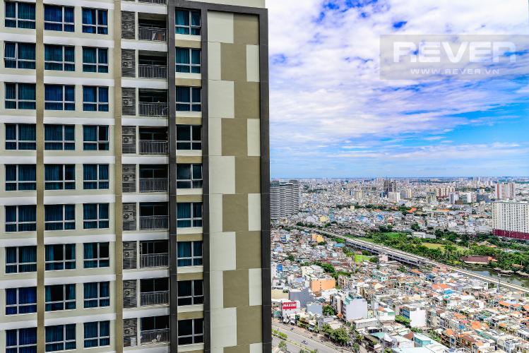 View Căn hộ Vinhomes Central Park 3 phòng ngủ tầng cao L5 hướng Tây Bắc