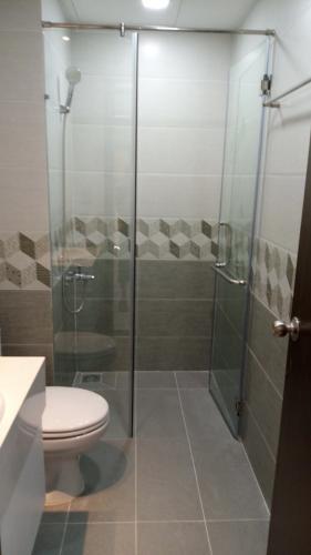 Phòng tắm The Sun Avenue, Quận 2 Căn hộ The Sun Avenue đón view nội khu, nội thất cơ bản.