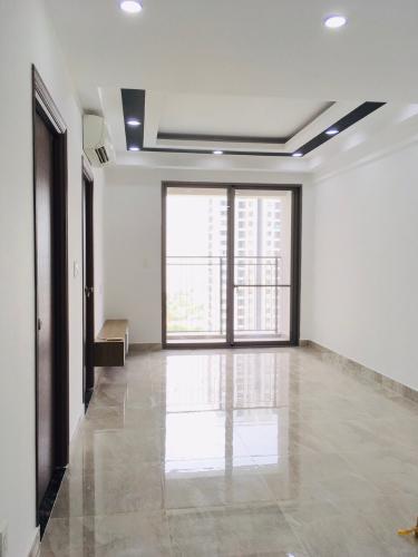 Cho thuê căn hộ view nội khu, nội thất cơ bản Saigon South Residence.