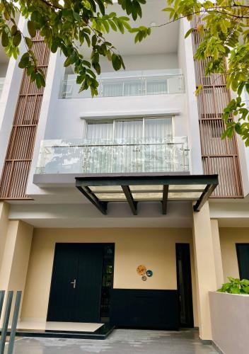 Nhà phố Palm Residence hướng Nam, khu dân cư an ninh, tri thức cao.