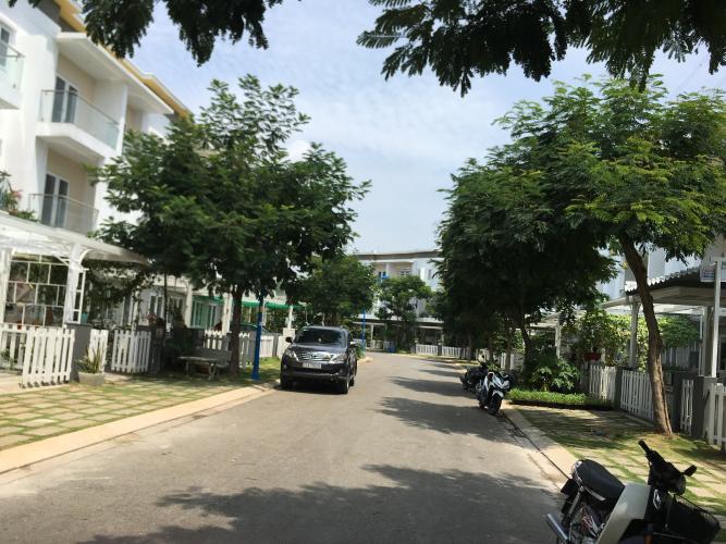 Bán nhà phố 3 tầng Melosa Garden Khang Điền, không gian yên tĩnh, tiện ích đầy đủ.