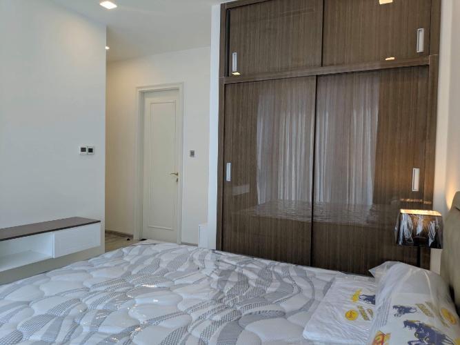 Phòng ngủ căn hộ VINHOMES GOLDEN RIVER Cho thuê căn hộ Vinhomes Golden River 2PN, diện tích 68m2, đầy đủ nội thất, hướng ban công Tây Nam