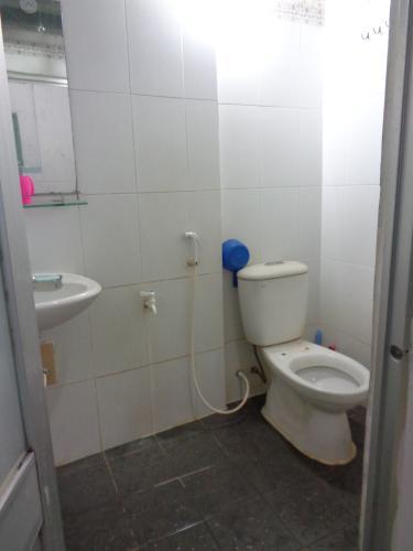Phòng tắm chung cư Minh Phụng, Quận 6 Căn hộ chung cư Minh Phụng hướng Đông Bắc, nội thất cơ bản.