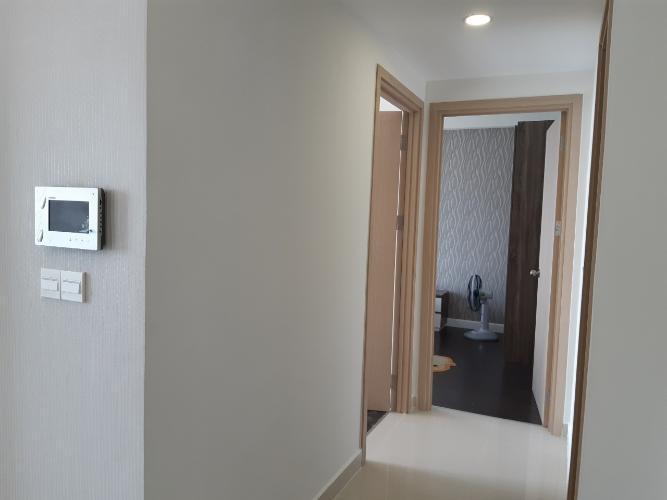 Hành lang căn hộ RiverGate Residence Cho thuê căn hộ RiverGate Residence 2 phòng ngủ, diện tích 74m2, đầy đủ nội thất, view thành phố