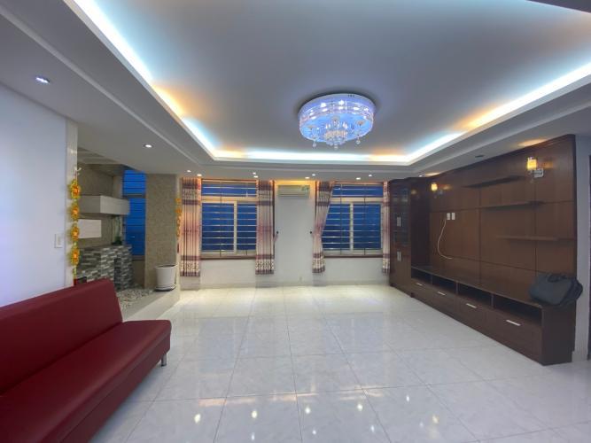Căn hộ Penthouse Lữ Gia Plaza diện tích 174m2, nội thất cao cấp đầy đủ