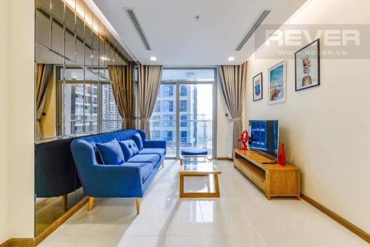 Phòng khách căn hộ VINHOMES CENTRAL PARK Bán hoặc cho thuê căn hộ Vinhomes Central Park 2PN, tầng 17, đầy đủ nội thất, view hồ bơi