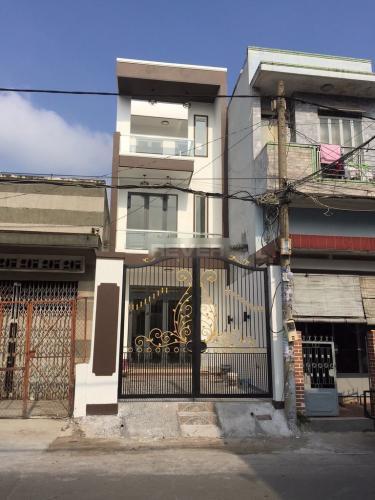 Mặt tiền nhà phố Lê Đức Thọ, Gò Vấp Nhà phố hướng Đông Nam hẻm xe hơi, diện tích 100m2.