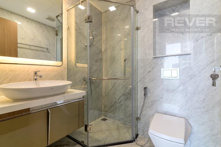 Phòng Tắm 1 Bán hoặc cho thuê căn hộ Vinhomes Central Park 3PN, tháp Landmark 81, view sông và công viên