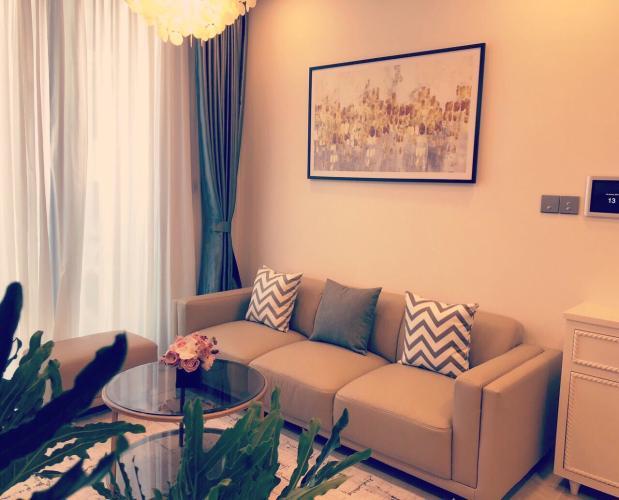 Phòng khách căn hộ VINHOMES GOLDEN RIVER Bán hoặc cho thuê officetel Vinhomes Golden River 1PN, đầy đủ nội thất, view kênh Thị Nghè