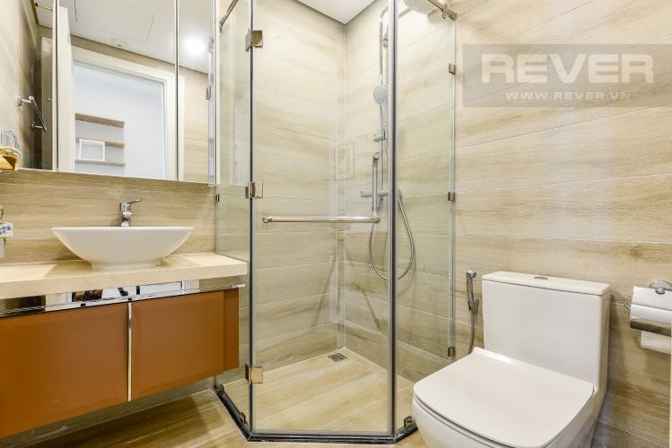 Phòng tắm 2 Officetel Vinhomes Golden River 2 phòng ngủ tầng trung A3 view sông