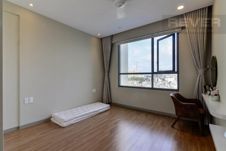 Phòng Ngủ 1 Bán căn hộ The Gold View 2PN, tháp A, đầy đủ nội thất, hướng Đông Bắc, view hồ bơi và kênh Bến Nghé