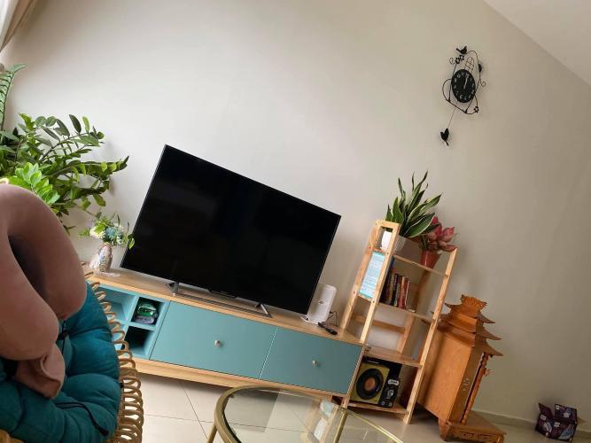 Căn hộ Hausneo tầng trung, đầy đủ nội thất, view nội khu.