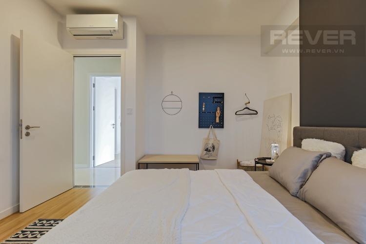 Phòng Ngủ 2 Bán hoặc cho thuê căn hộ Masteri Millennium tầng cao, 3PN 2WC, đầy đủ nội thất, view sông và Bitexco