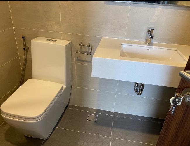 Toilet One Verandah Quận 2 Căn hộ One Verandah tầng trung, view sông và thành phố.