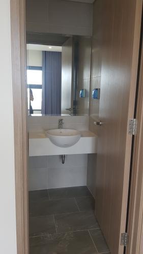 Phòng tắm  căn hộ Vinhomes Grand Park Căn hộ Vinhomes Grand Park nội thất cơ bản, view thành phố.