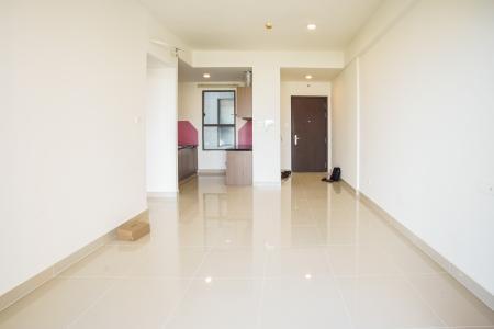 Bán căn hộ The Sun Avenue 3PN, block 4, nội thất cơ bản, view hồ bơi và Landmark 81