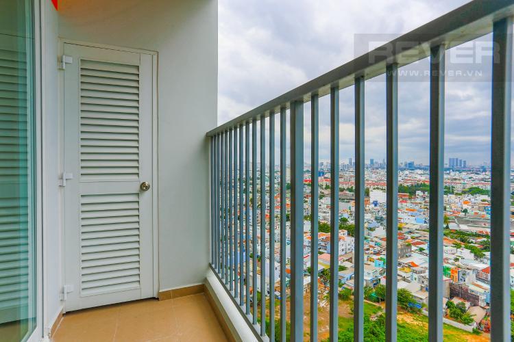 Ban Công Căn hộ Jamona City nằm ở tầng cao, tháp M1, 71m2, 2 phòng ngủ, view sông.