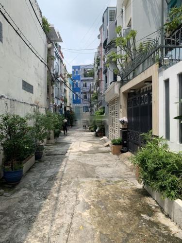 Hẻm nhà phố Thích Quảng Đức, Phú Nhuận Nhà phố hẻm 4m hướng Tây Nam, bàn giao sổ hồng riêng.