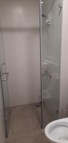 Phòng tắm Cho thuê căn hộ 2 phòng ngủ Safira Khang Điền, diện tích 66m2, nội thất cơ bản, dọn vào ở ngay.