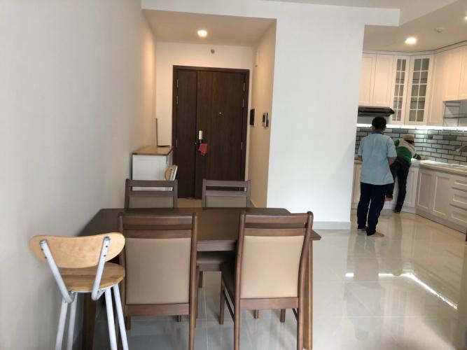 Không gian căn hộ SaiGon Royal , quận 4 Căn hộ Saigon Royal tầng cao hướng cửa Đông view nội khu, đầy đủ nội thất.