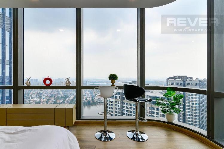 13 Bán hoặc cho thuê căn hộ Vinhomes Central Park 4PN, tháp Landmark 81, diện tích 164m2, đầy đủ nội thất, căn góc view thoáng