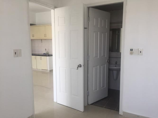 Cửa căn hộ chung cư Bình Khánh Bán căn hộ chung cư Bình Khánh tầng cao, diện tích 66m2 - 2 phòng ngủ, nội thất cơ bản