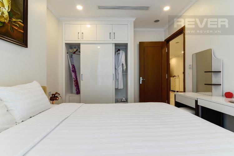 Phòng Ngủ Cho thuê căn hộ Vinhomes Central Park 50.5m2 1PN 1WC, nội thất tiện nghi, view hồ bơi