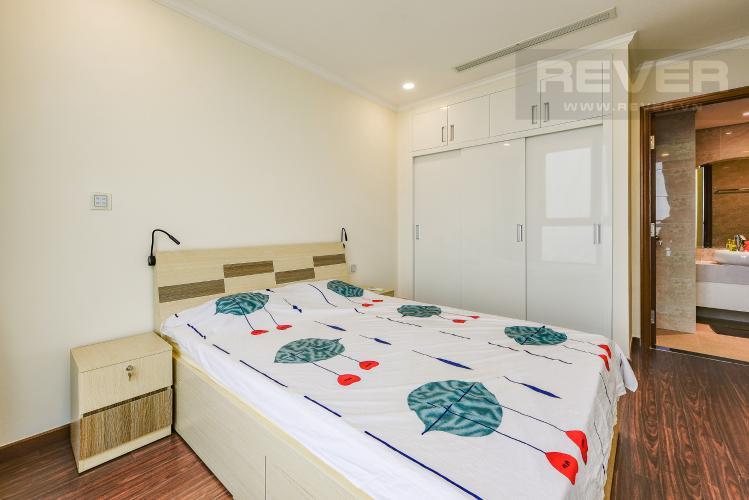 Phòng ngủ 1 Căn hộ Vinhomes Central Park 2 phòng ngủ tầng cao L6 hướng Đông Bắc