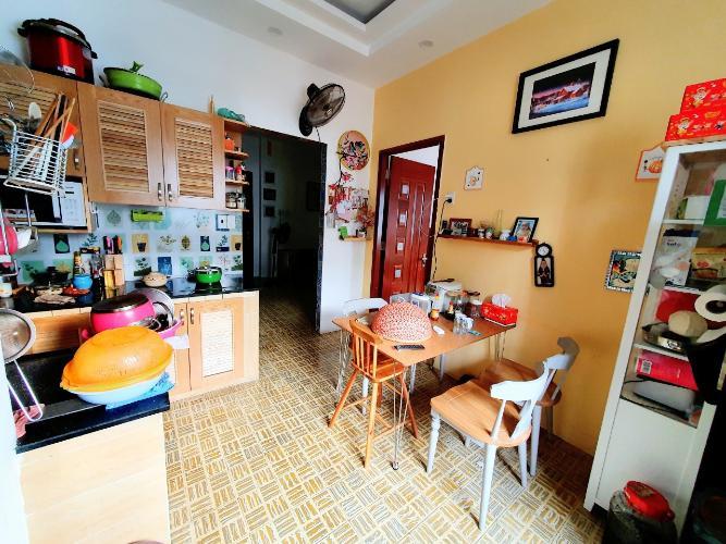 Căn hộ chung cư Trần Kế Xương tầng thấp hướng cửa Đông Nam.