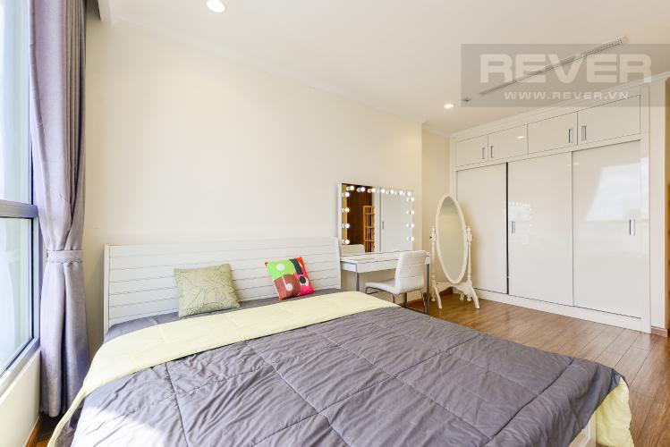 Phòng ngủ 2 Căn hộ Vinhomes Central Park tầng thấp tòa Landmark 3, 2 phòng ngủ, full nội thất