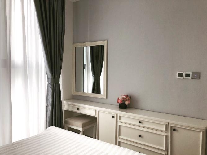 Phòng ngủ căn hộ Vinhomes Golden River Bán hoặc cho thuê officetel Vinhomes Golden River 1PN, đầy đủ nội thất, view kênh Thị Nghè