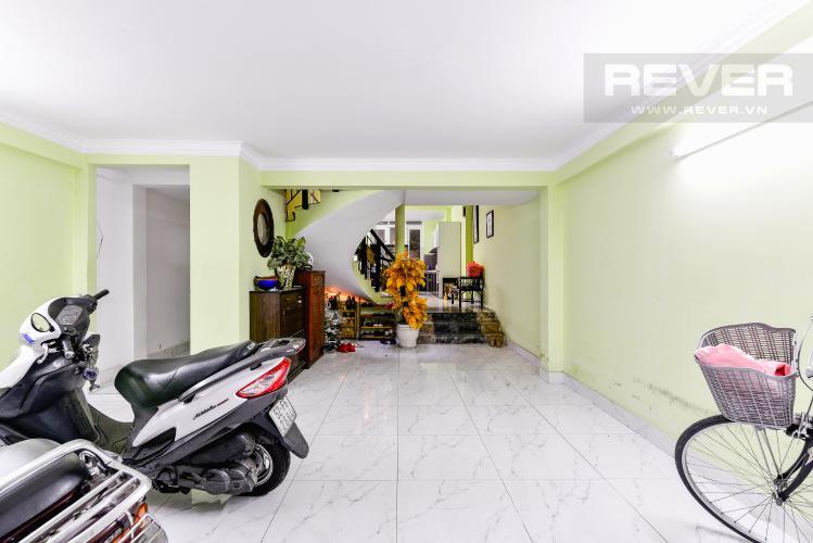 Phòng Khách Tầng Trệt Nhà phố 6 phòng ngủ hẻm 12 đường Cù Lao Quận Phú Nhuận