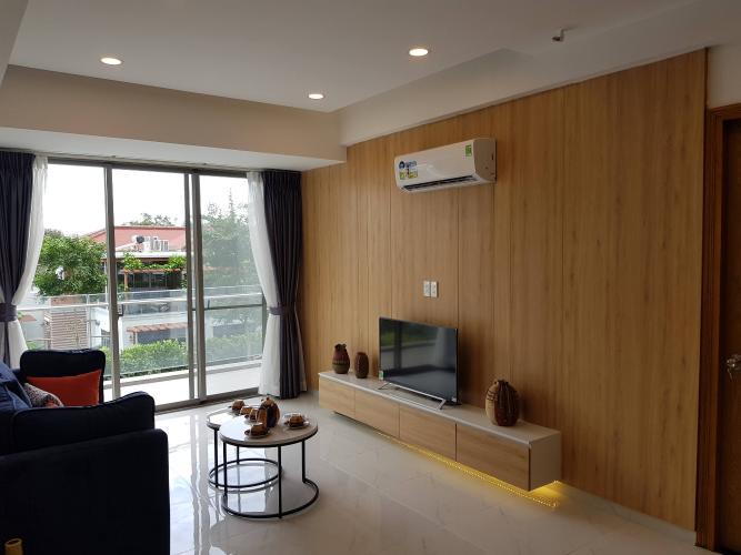 Phòng khách căn hộ Hưng Phúc Căn hộ Happy Residence nội thất đầy đủ, ban công rộng rãi.