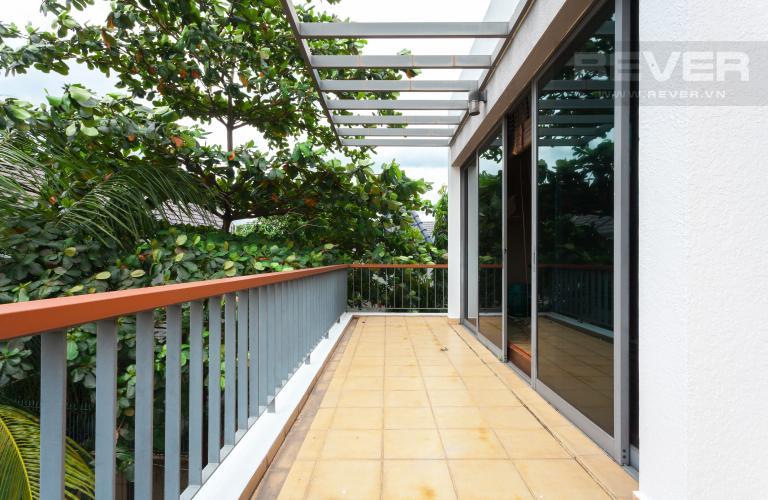 Ban công Villa Compound Riviera Quận 2 thiết kế sang trọng, đầy đủ tiện nghi