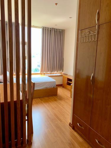 Cho thuê căn hộ 4 phòng ngủ La Casa Quận 7, tầng thấp, diện tích 127m2, đầy đủ nội thất