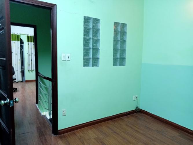 Phòng ngủ  nhà phố Gò Vấp Nhà phố Gò Vấp nội thất cơ bản, khu dân cư an ninh yên tĩnh.
