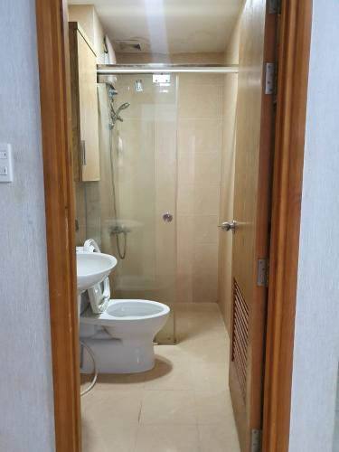 nhà tắm căn hộ CBD Premium Home Căn hộ CBD Premium Home tầng trung, view nội khu hồ bơi.