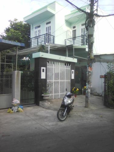 Bán nhà phố 3 phòng ngủ mặt tiền đường số 3 phường Bình Trưng Đông quận 2, diện tích đất 76.2m2, sổ hồng đầy đủ.