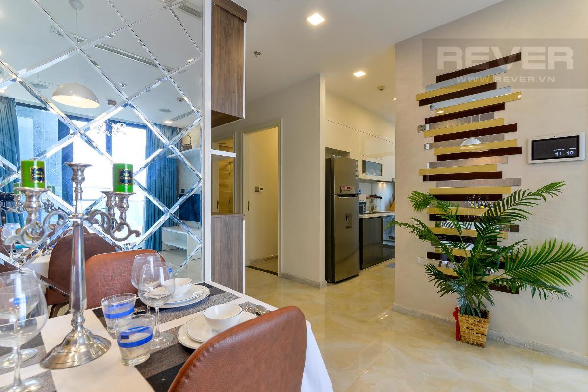 de0e15db0aabecf5b5ba Cho thuê căn hộ Vinhomes Golden River 2PN, diện tích 72m2, đầy đủ nội thất, view sông Sài Gòn và Bitexco