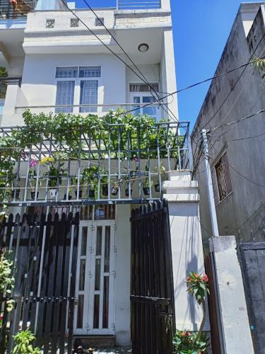 Bán nhà phố 2 tầng khu phố 2, phường Tân Thuận Đông, quận Bình Thạnh - 6 phòng ngủ- diện tích 112.4m2