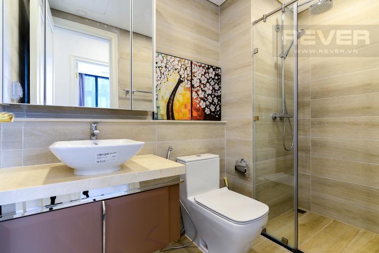 Phòng Tắm 1 Cho thuê căn hộ Vinhomes Golden River 2PN, tầng thấp, tháp The Aqua 3, đầy đủ nội thất, view sông thoáng mát